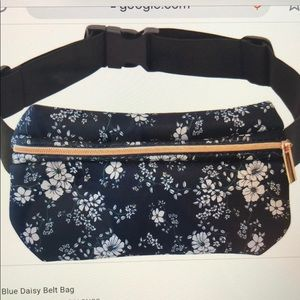 NWT blue daisy belt bag